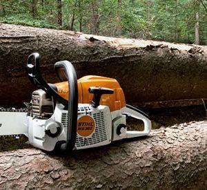 Motosierras para silvicultura, aclareo forestal, tala de árbol mediano y recolección de madera débil