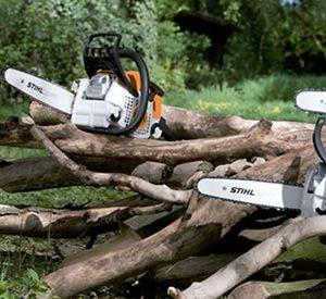 Motosierras para serrar leña y mantenimiento de parcela